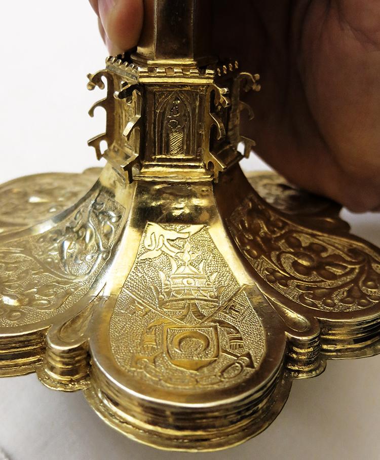 caliz del Pap Luna escudo del Papa  750